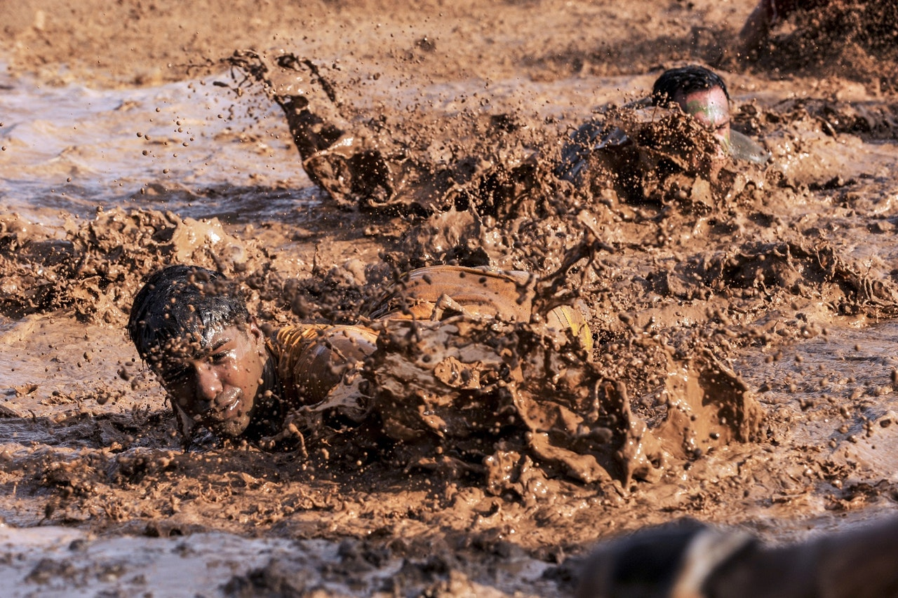Soldiers swimming in mud, WTF moments